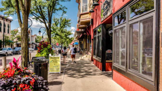 PDE / 2021 / DOWNTOWN NAPERVILLE / URBAN