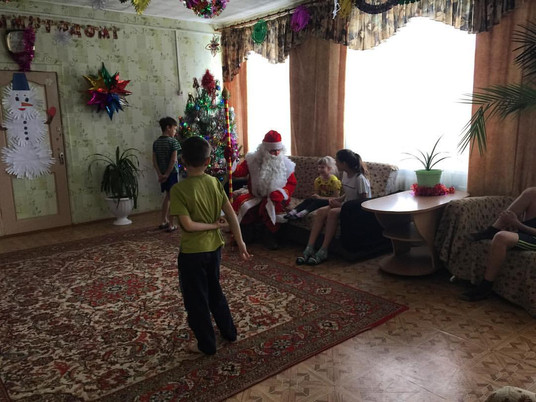 Посетили детский дом