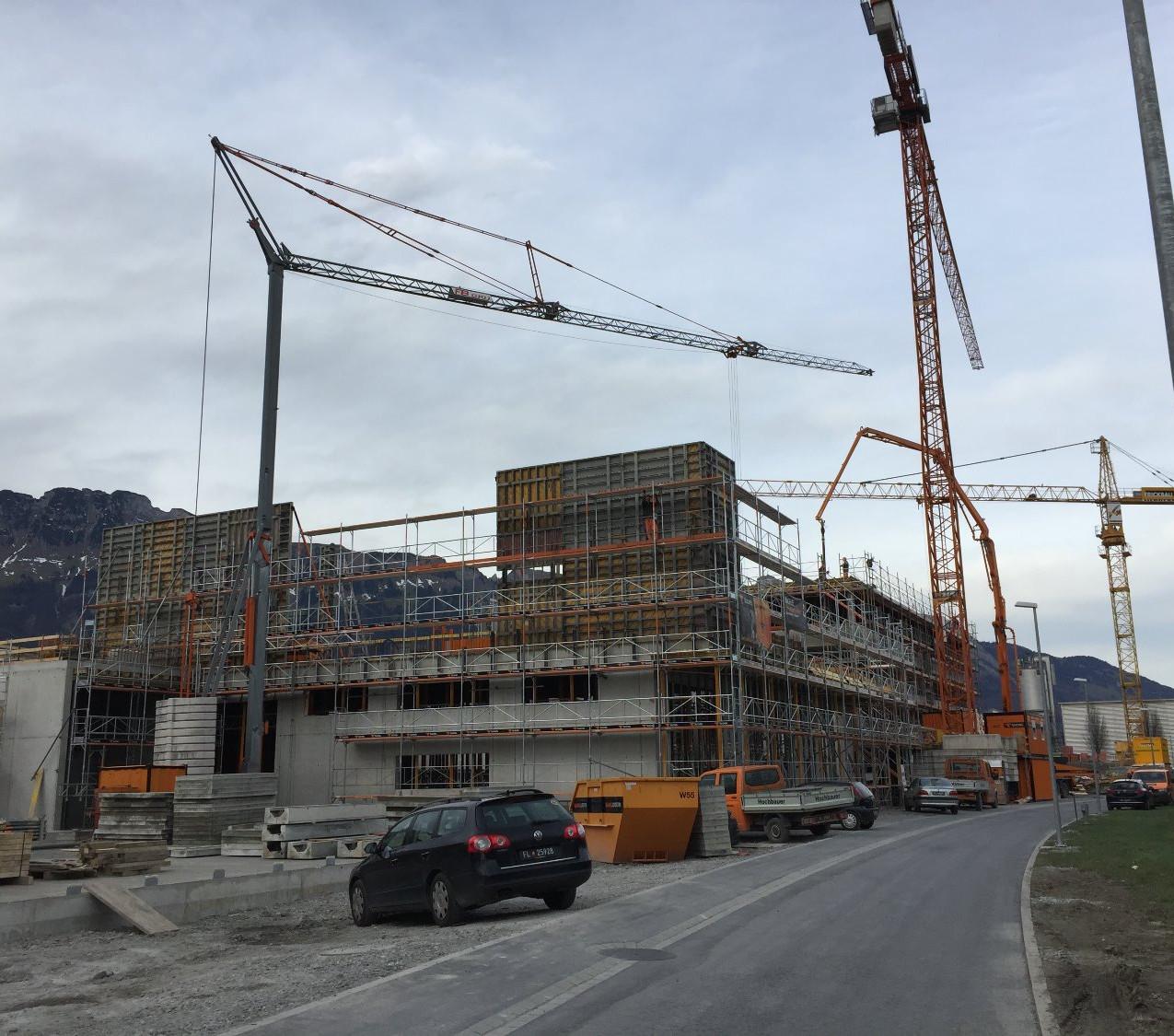 Bendern-Gamprin: Industriebauten