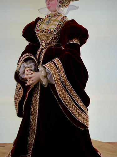 Anne of Cleves angle full length