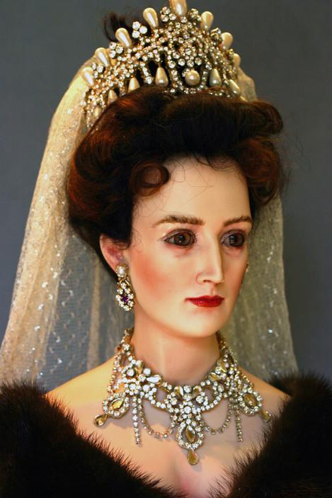 Czarina head & shoulders