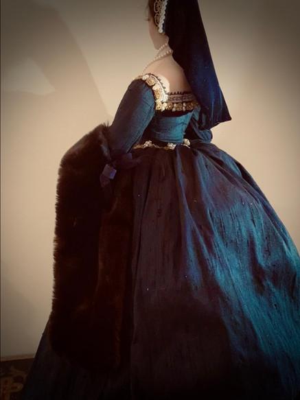 Anne Boleyn back - right