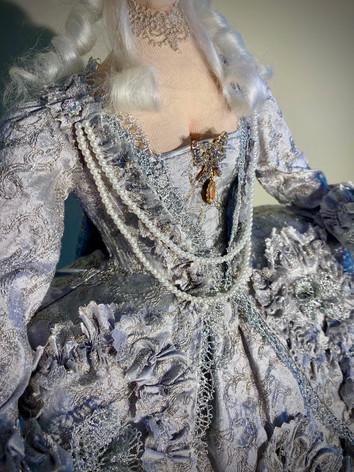 Marie Antoinette dress front