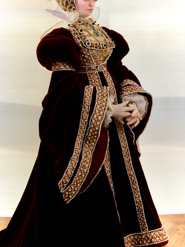 Anne of Cleves full length