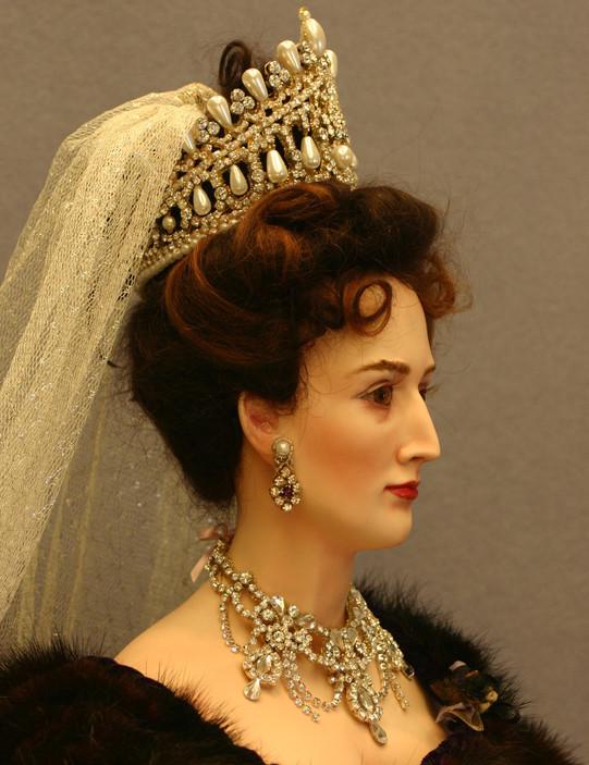 Czarina side portrait