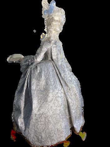 Marie Antoinette rear