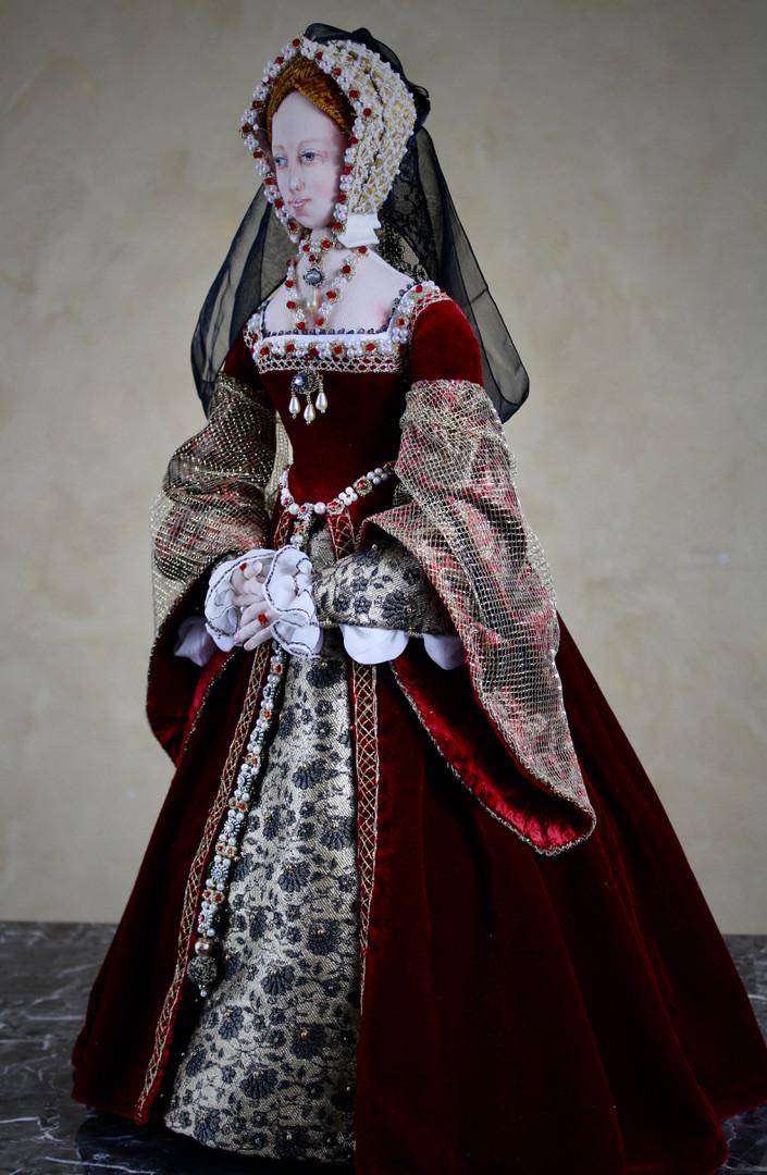 Jane Seymour full length