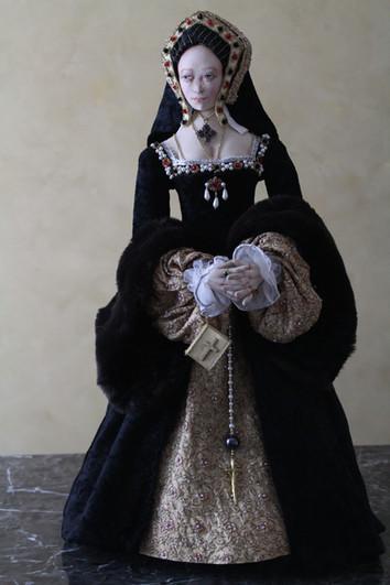Catherine of Aragon full portrait