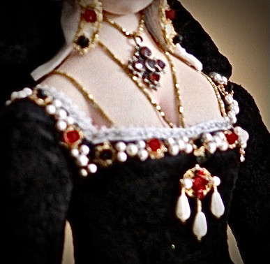 Catherine of Aragon jewellery