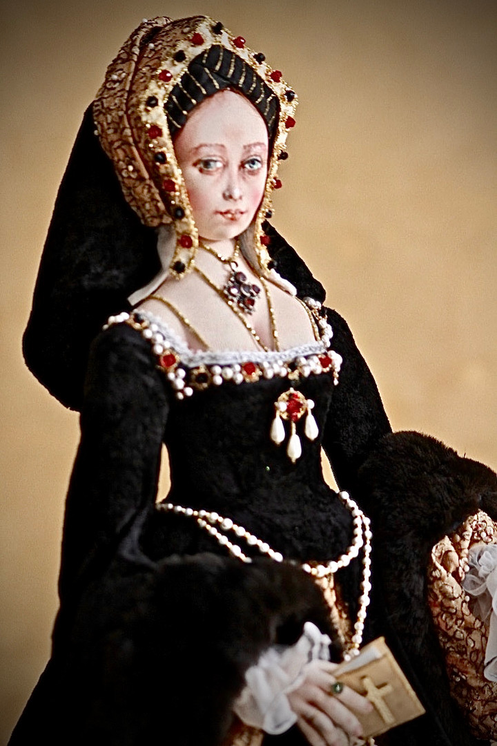 Catherine of Aragon 1/2 length