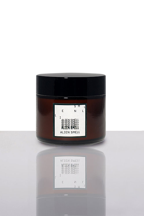 A:NOTE LABORATORY  | ALIEN SMELL - SOY WAX TRAVEL SIZE CANDLE [2OZ]
