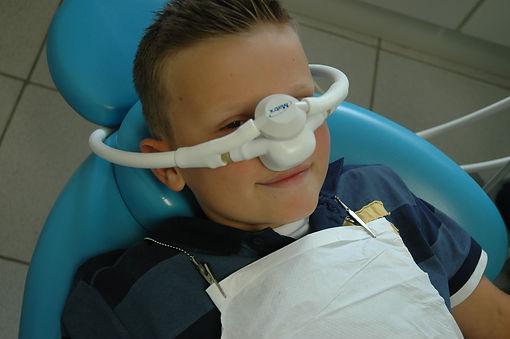 Sedação com óxido nitroso em odontologia. Medo de dentista