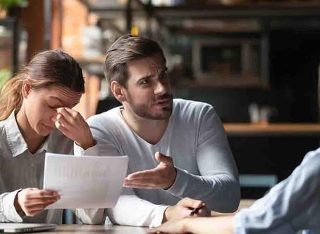 ¡Denuncia! Si el banco te hace creer que es obligatorio contratar un seguro que, encima, es más caro