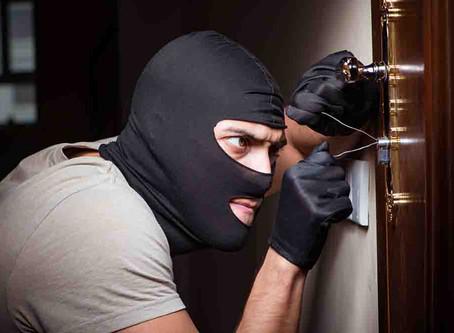 """""""Cosa mal guardada, de ladrones es bien robada"""""""