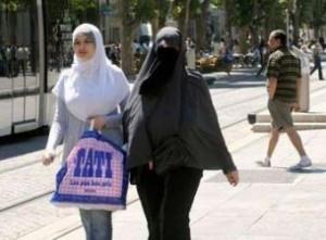 burqa-france-m-300x221.jpg