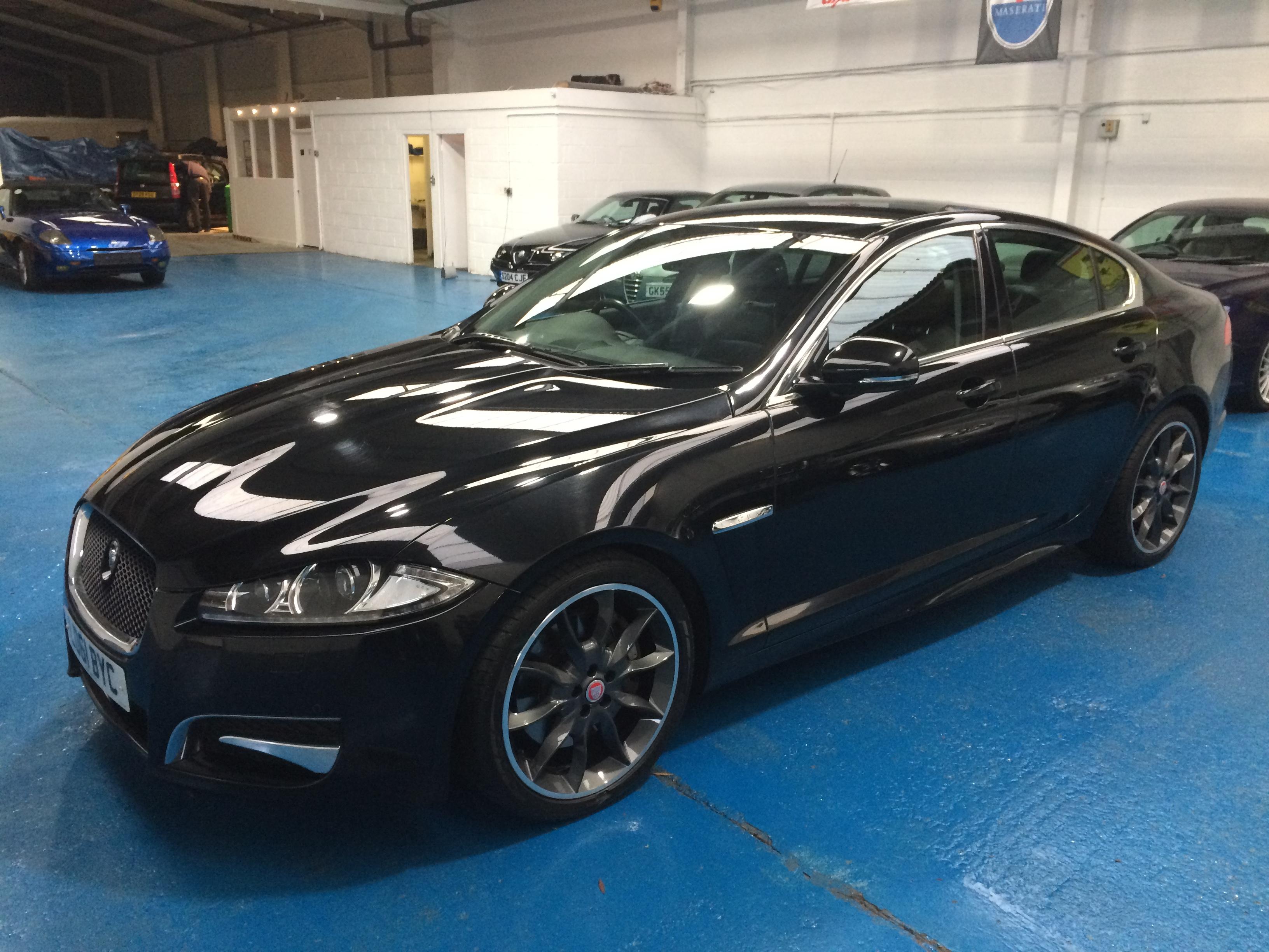 jaguar XFS 010