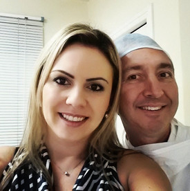 Sou Reginaldo, minha história com o Dr Claudio Roberto Cedroni vem de longa data,eu morria de medo de dentista, tive umas experiências ruins com outros dentistas e por isso o trauma,o Dr Claudio pra mim foi além de dentista foi meu psicólogo e por conta disso cuidei de minha boca e estou com minha alto estima lá nas nuvens . Muito obrigado Dr Claudio que além de meu dentista nos tornamos bons amigos, muito obrigado Dr Claudio você fez a diferença em minha vida, obrigado de coração mesmo ......