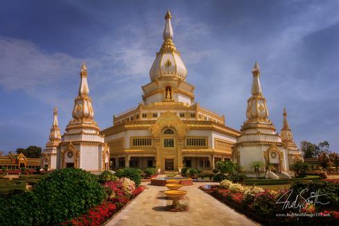Phra Maha Chedi Chai Mongkol, Roi Et Province, North Eastern Thailand