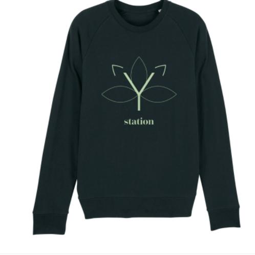 Sweater Yoga Station