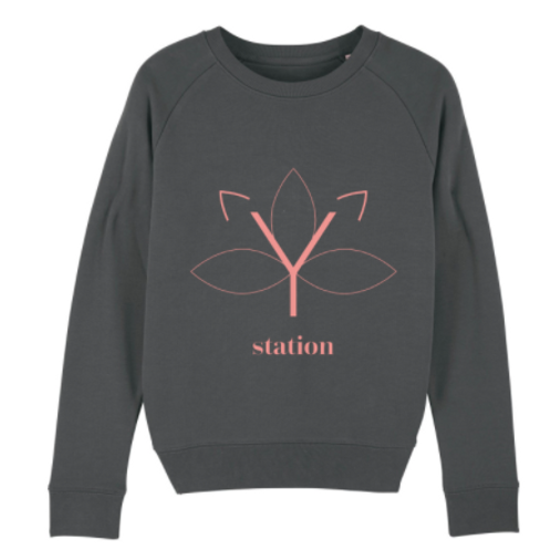 Sweater Yoga Station