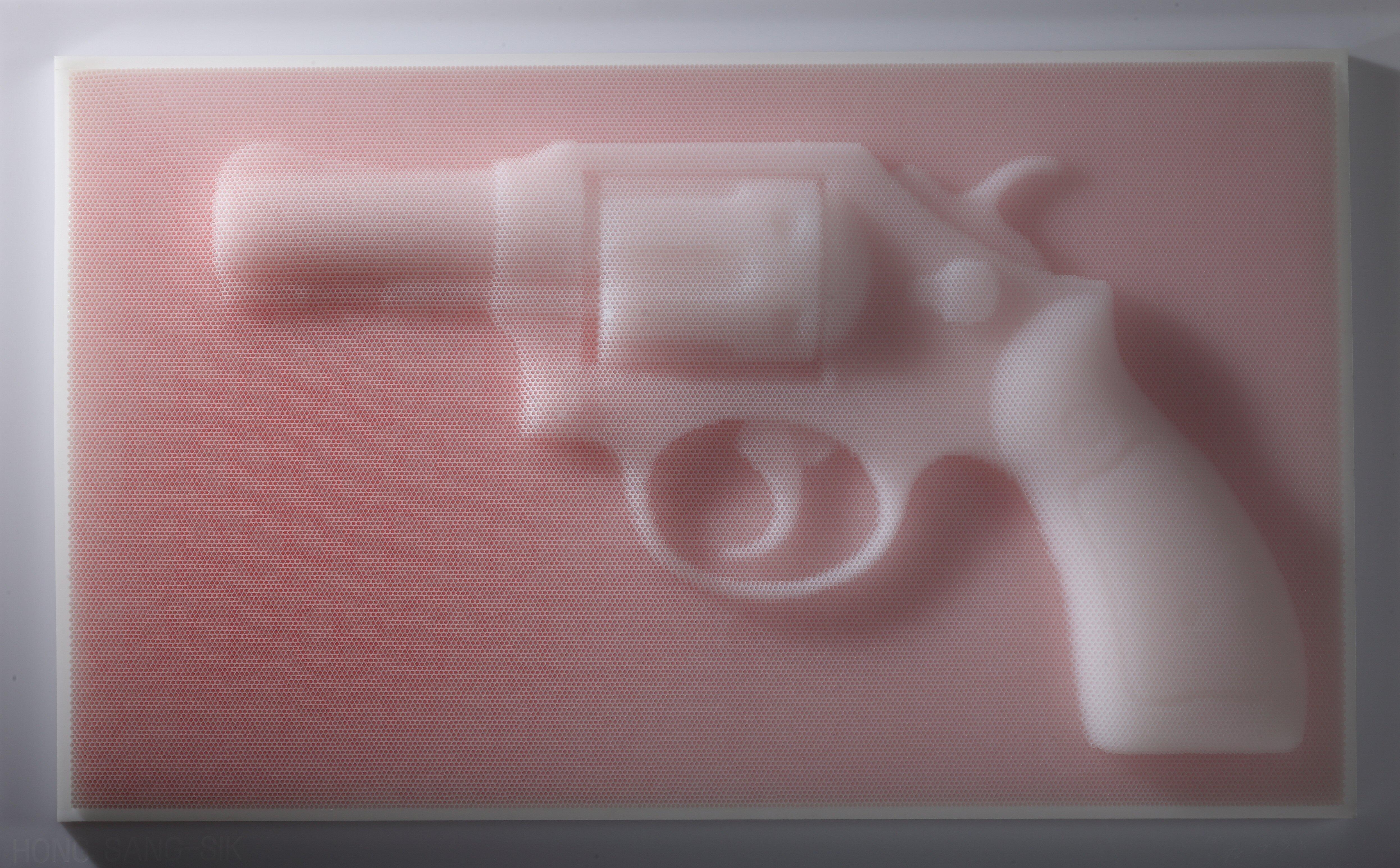 Gun_2013_Straw_93x55x12cm