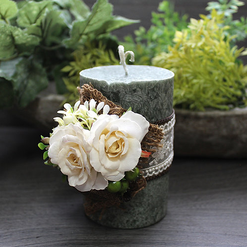 Corsage palm candle