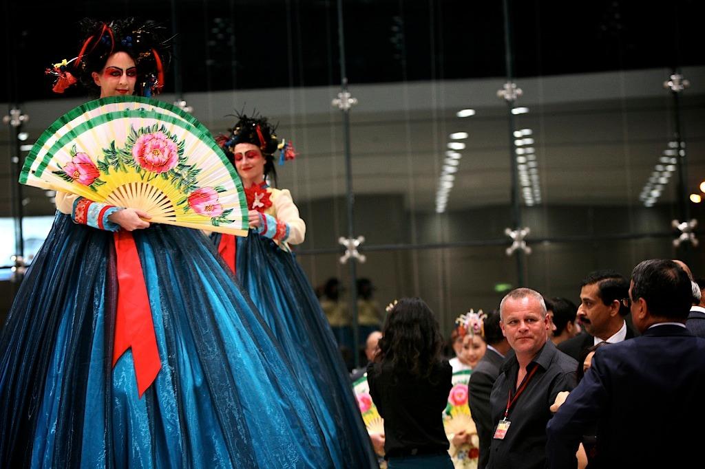 Korean Geisha Stiltwalkers