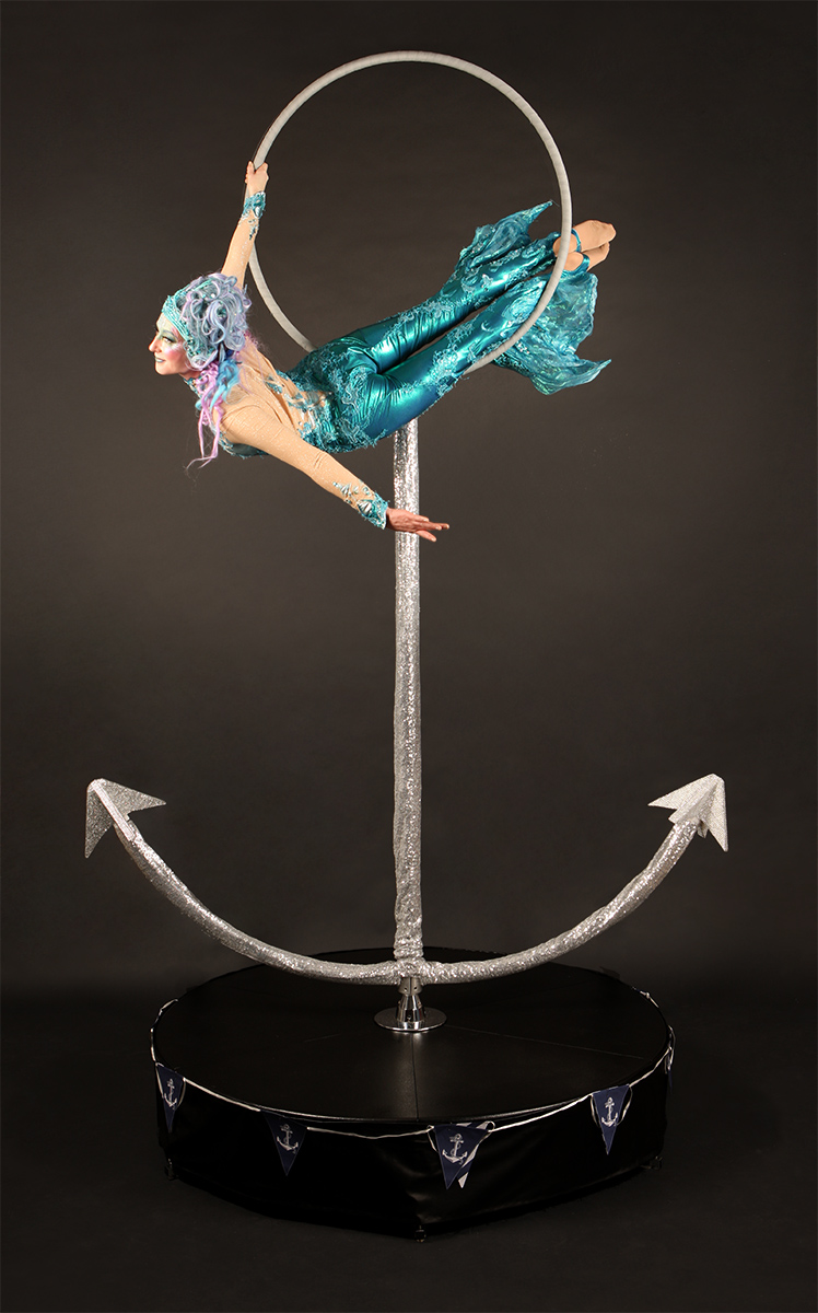 La Luna Mermaids on anchor