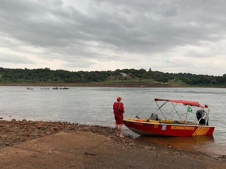 Embarcação naufraga no Rio Paraná, e quatro pessoas estão desaparecidas