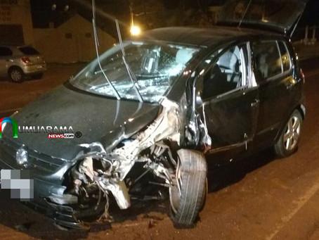 Condutor de 18 anos fica ferido em acidente na saída de Umuarama e o outro condutor foge sem prestar