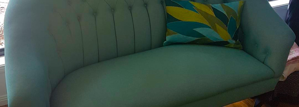 woodwards_upholstery_queen_anne_sofa_aft