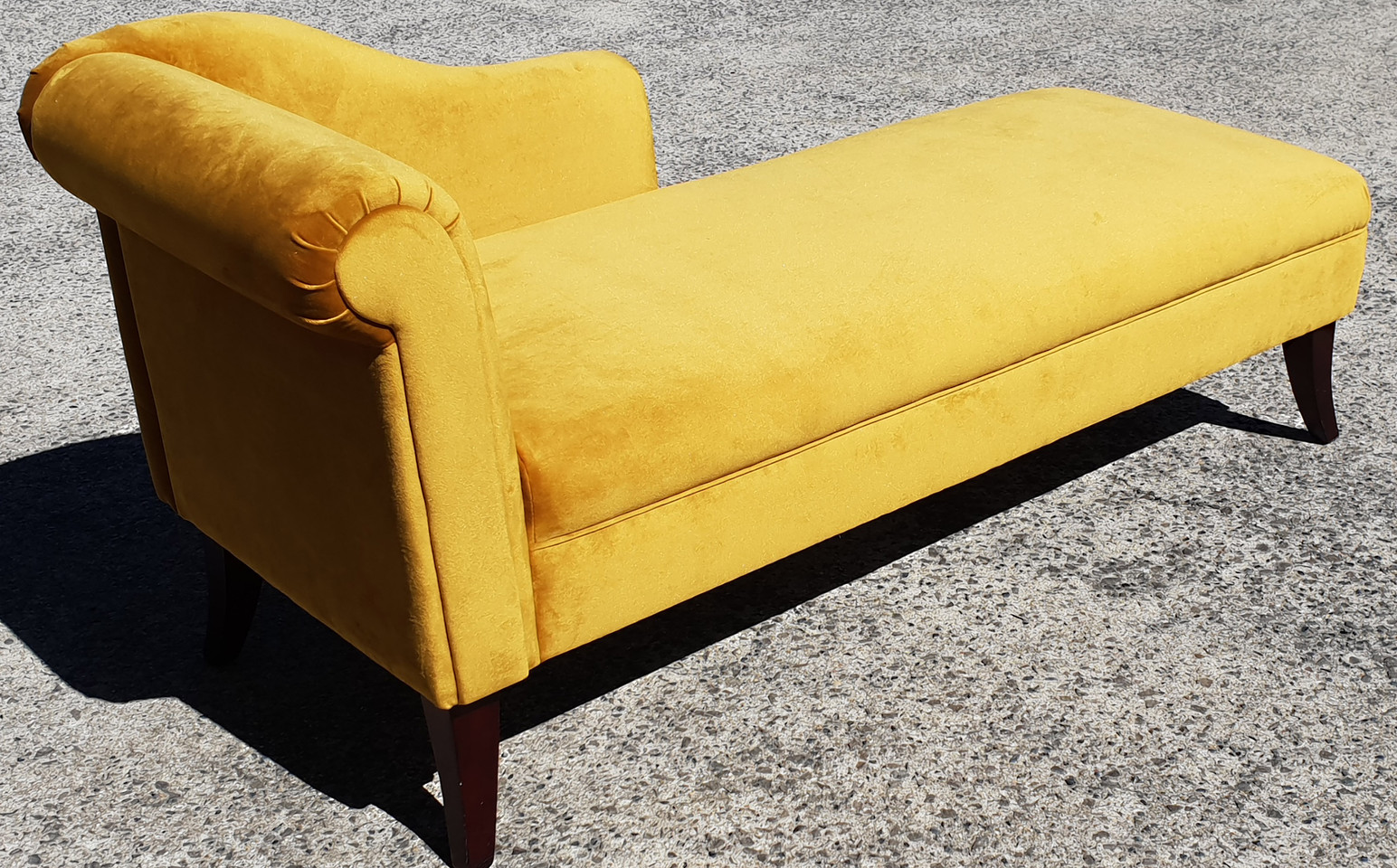 Restored & Renewed Plush Chaise