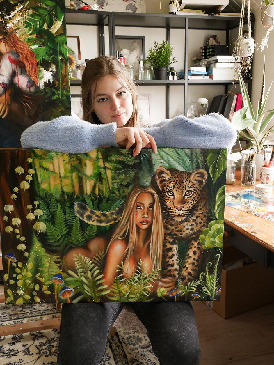 girl_leopard1.jpg