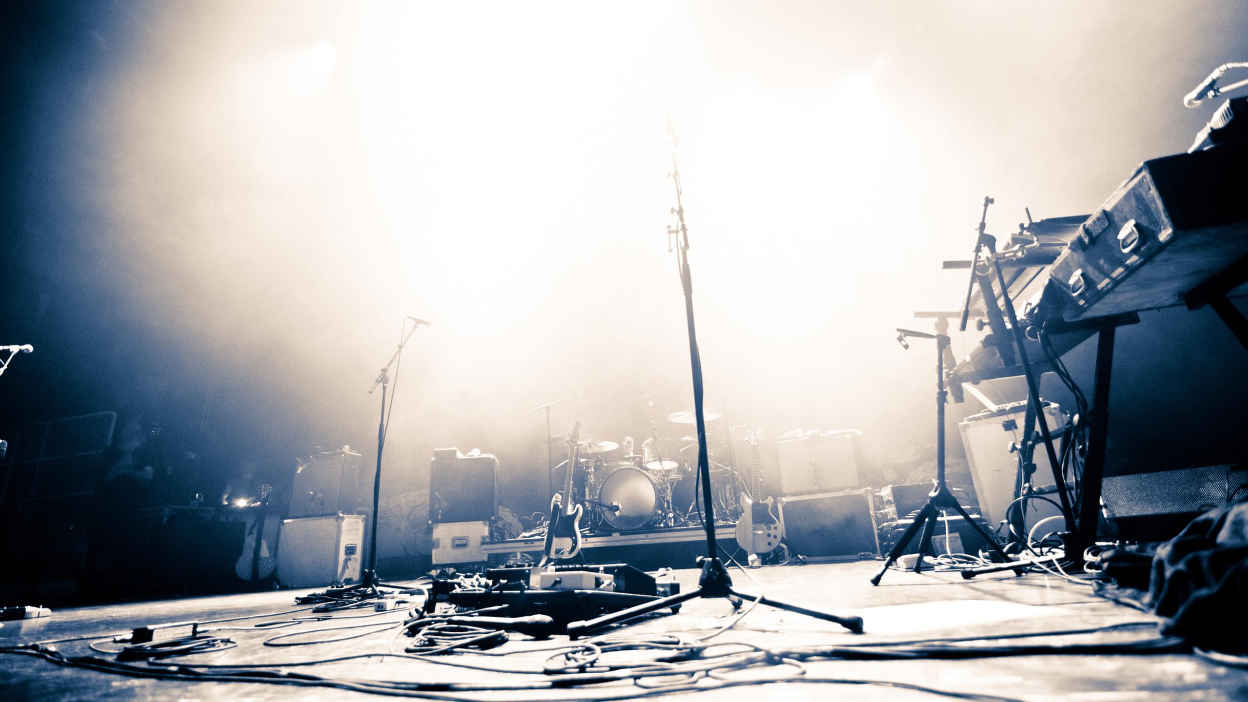 Live stage back stage set up