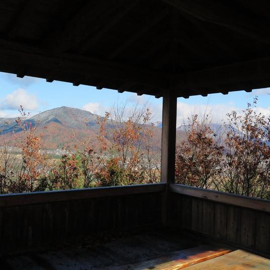 愛宕山の東屋