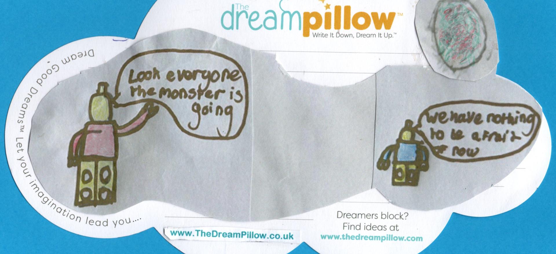 … Dans la deuxième partie du rêve d'Alfie, des personnages en Lego regardent le Corona Virus disparaitre au loin.