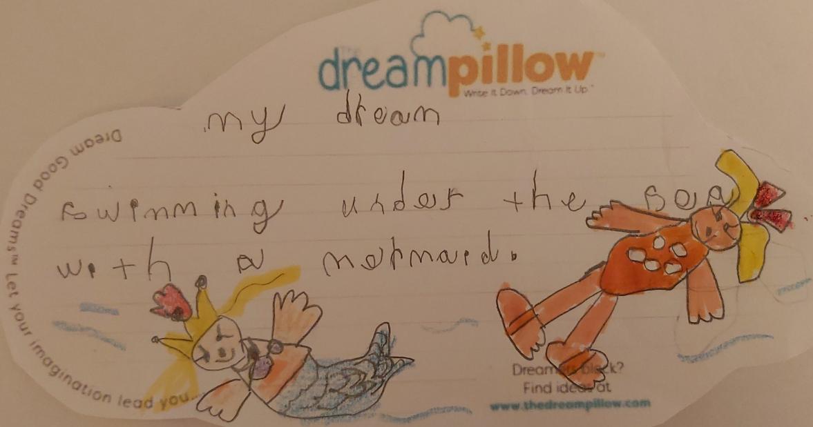 Diana, de Tunbridge, nous a envoyé cette note qui décrit son rêve favori : nager sous l'eau dans la mer avec une sirène.