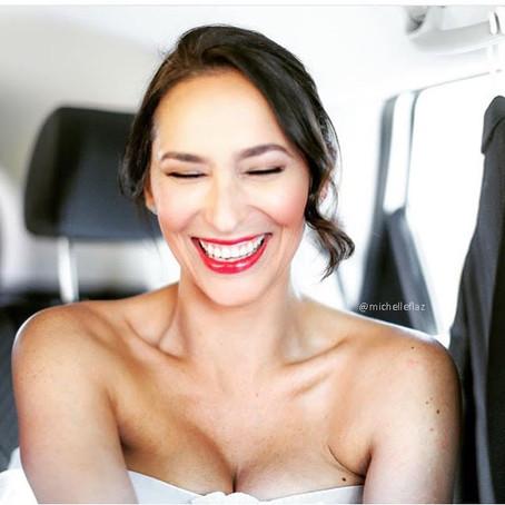 INSPIRACIÓN...                                       Triunfa en tu boda llevando labios rojos!