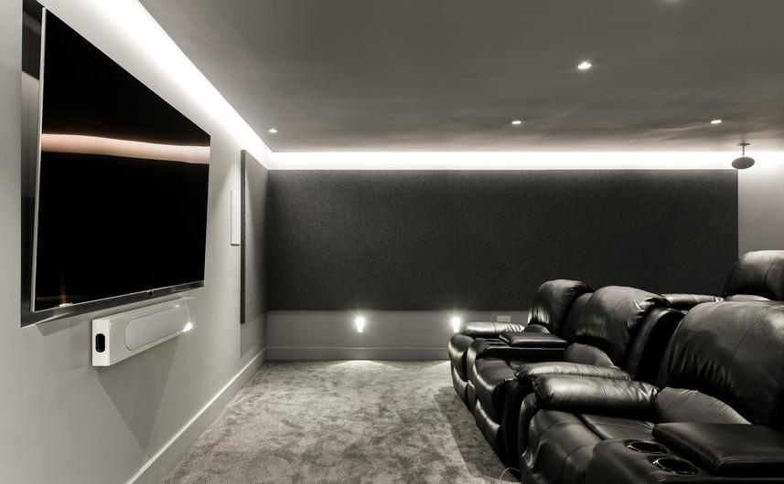 (High-Res) (Media Room) 1 Kenmore Close,