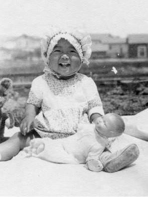 満1歳の明子さん(1927年6月19日 ロサンゼルス)