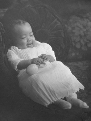生後5か月の明子さん(1926年10月30日 ロサンゼルス)