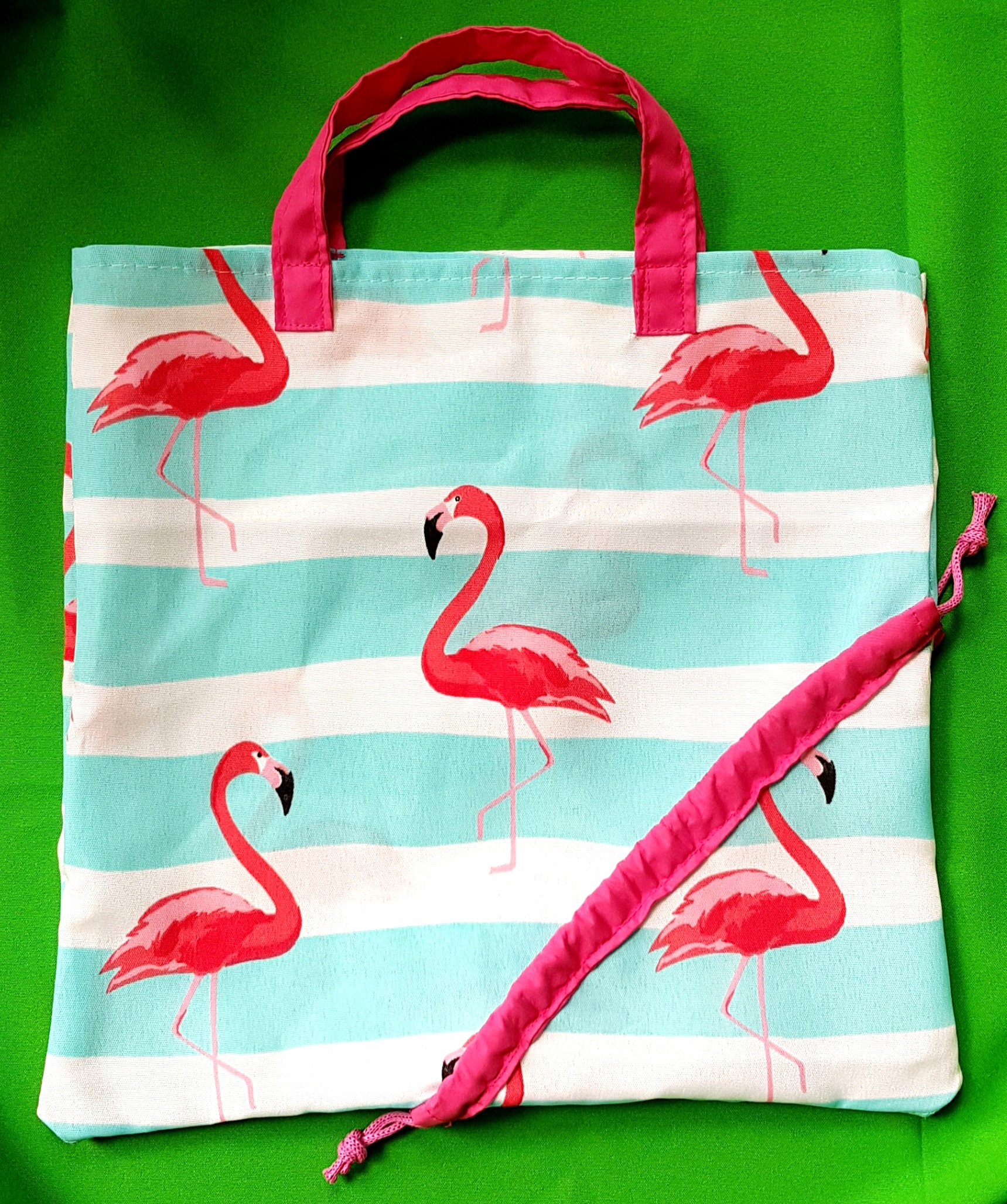 Foldable fabric bag