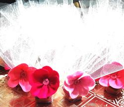 Bolsitas  de tul con flor en fieltro