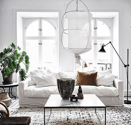 7 DECORATING TIPS FOR SMALL LIVING ROOM SPACE