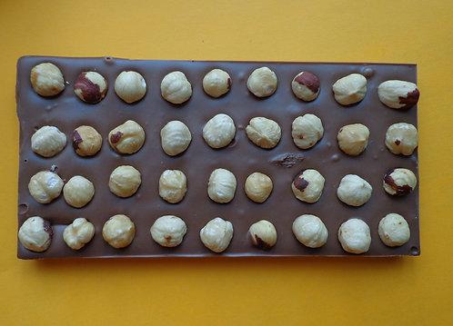 Шоколадная плитка с фундуком