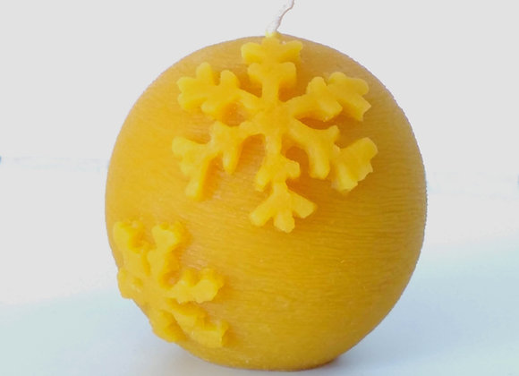 Beeswax Round Snowflake Candle
