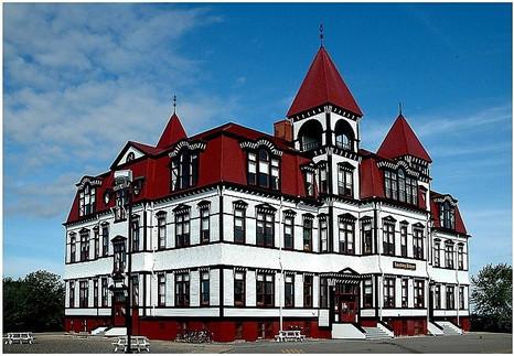 Lunenburg Academy Photo 01.jpg