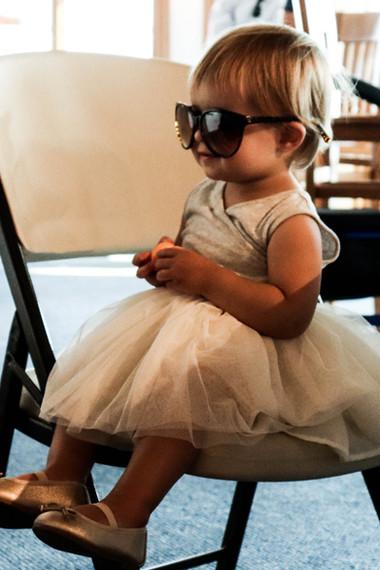 wedding-flowergirl-sunglasses-cute.jpg