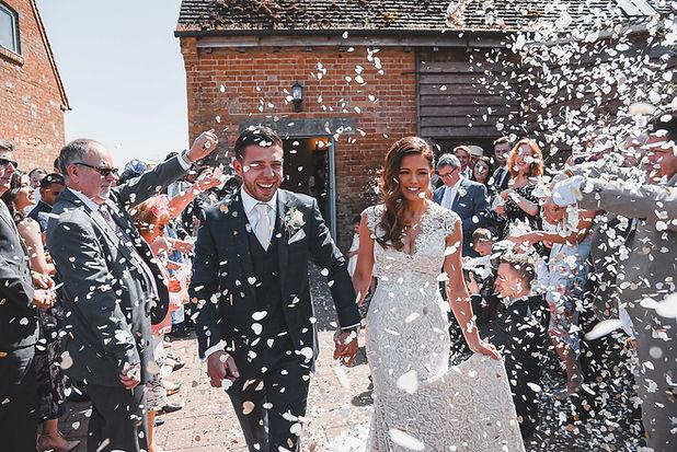 informal-reportage-wedding-photographers
