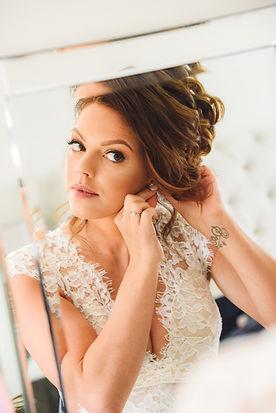 best-wedding-photographer-beds-bucks-her